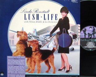 Copertine Bestiali; LUSH LIFE con due Airedale Terrier