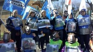 Flash mob delle associazioni animaliste ANIMALISTI ITALIANI – AVA – AVCPP – ENPA – LAV – OIPA davanti al cantiere del Pincio